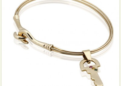 Gold-4-Wire-Bangle-w-Key